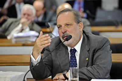 Senador Armando Monteiro - cr+®dito da foto - Pedro Fran+ºa, divulga+º+úo