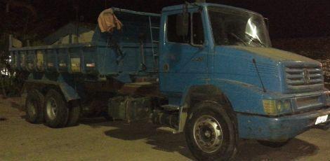 caminhão preso